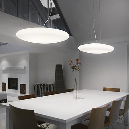 Foloseste iluminatul artificial pentru a crea o atmosfera feerica la tine acasa
